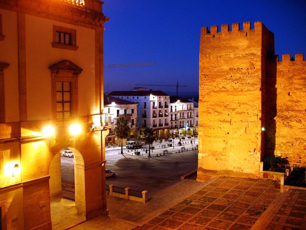 Plaza Mayor de Cáceres: en el epicentro de la historia